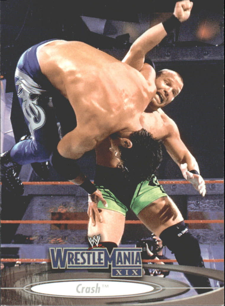 2003 Fleer WWE WrestleMania XIX #24 Crash