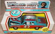 1982-84 Ertl 1:25 #43 R.Petty/STP Superstock Package