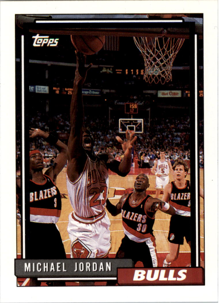 1992-93 Topps #141 Michael Jordan