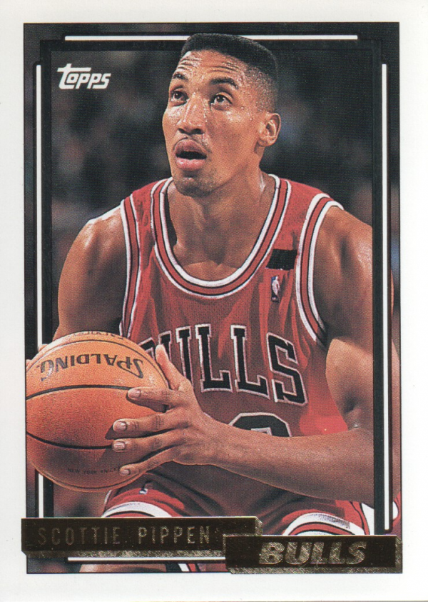 1992-93 Topps Gold #389 Scottie Pippen