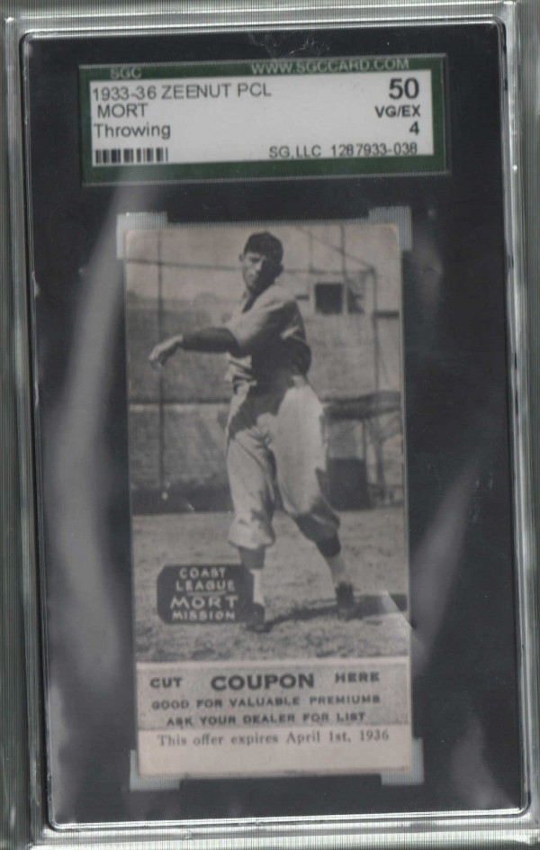 1933-36 Zeenut PCL #32 Roy Mort (throwing)