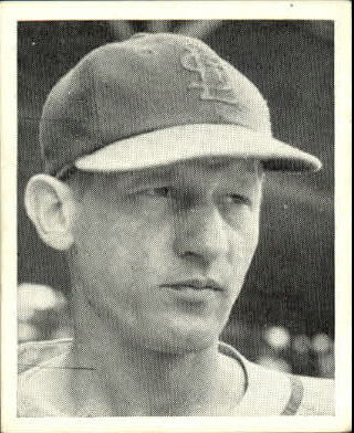 1941 Cardinals W754 #28 Lon Warneke