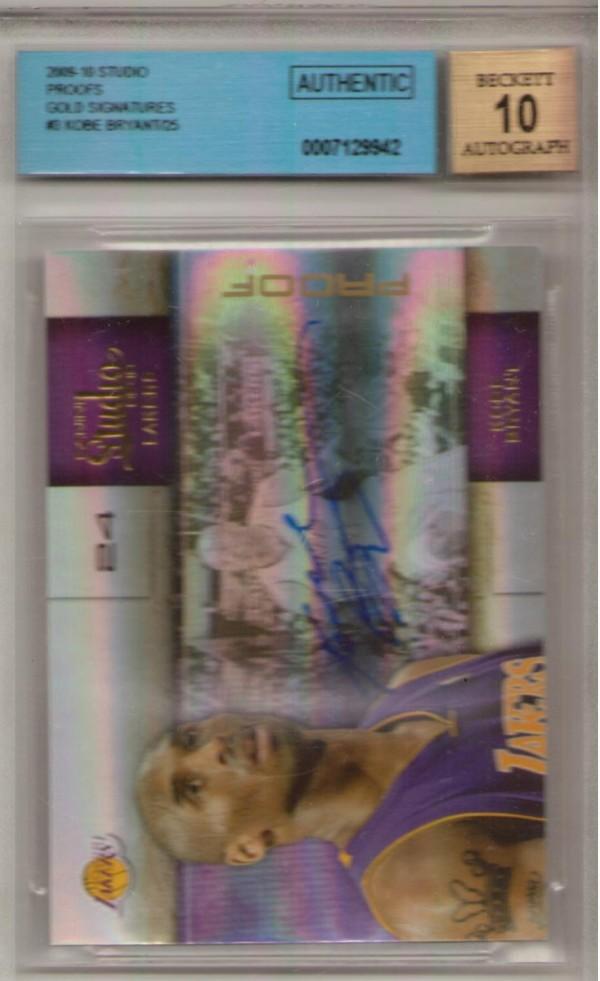 2009-10 Studio Proofs Gold Signatures #3 Kobe Bryant/25