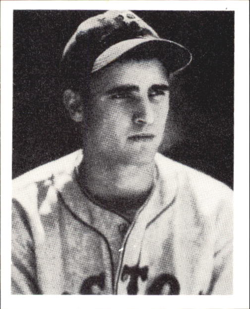 1939 Play Ball #7 Bobby Doerr RC