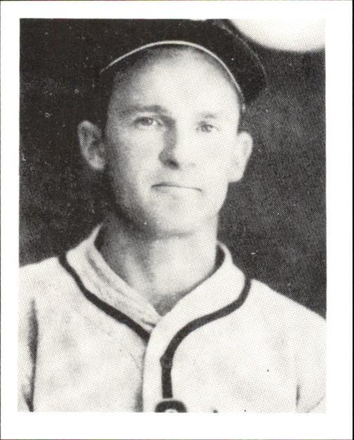 1939 Play Ball #122 George McQuinn RC