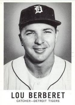 1960 Leaf #24 Lou Berberet