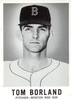 1960 Leaf #26 Tom Borland RC
