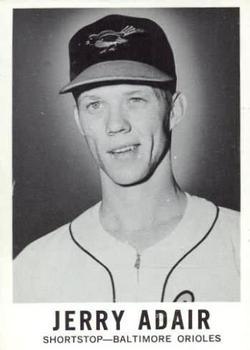 1960 Leaf #28 Jerry Adair RC