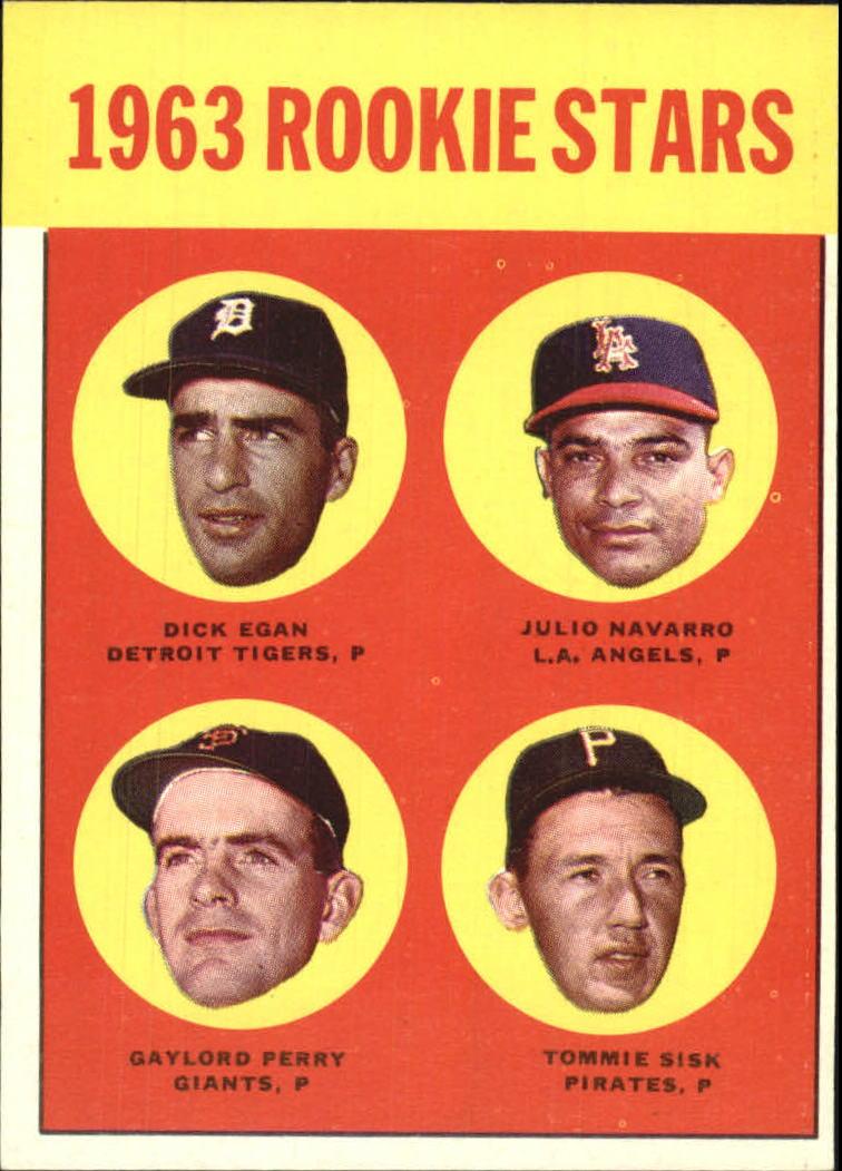1963 Topps #169 Rookie Stars/Dick Egan RC/Julio Navarro/Tommie Sisk RC/Gaylord Perry