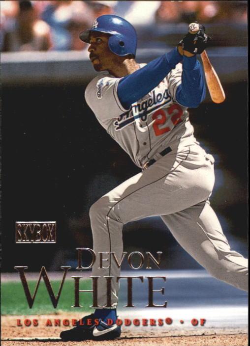 2000 SkyBox #5 Devon White