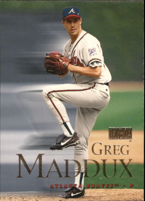 2000 SkyBox #17 Greg Maddux