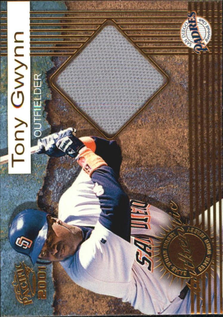 2001 Pacific Game Jersey #7 Tony Gwynn