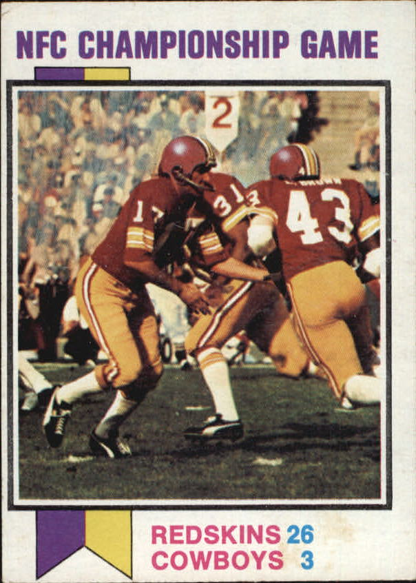 1973 Topps #137 NFC Title Game/(Redskins 26, Cowboys 3:/Billy Kilmer handing/off to Larry Brown)