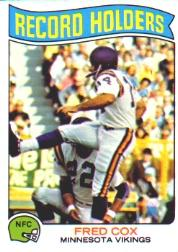 1975 Topps #352 Fred Cox RB/151 Straight PAT's