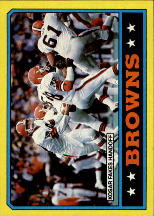 1986 Topps #185 Browns TL/(Bernie Kosar Fakes Handoff)