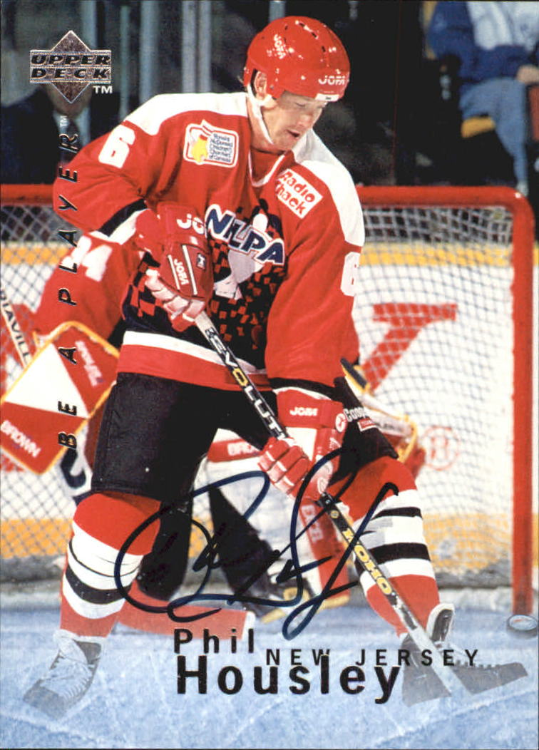 1995-96 Be A Player Autographs #S72 Phil Housley
