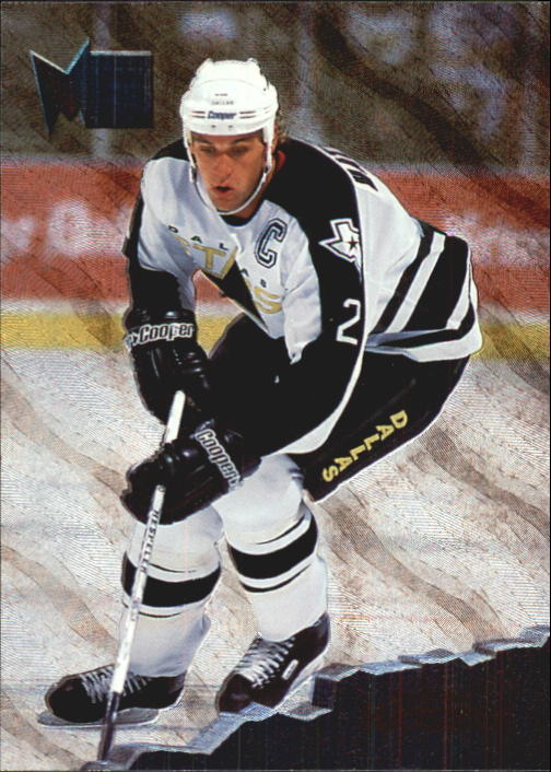 1995-96 Metal #40 Derian Hatcher