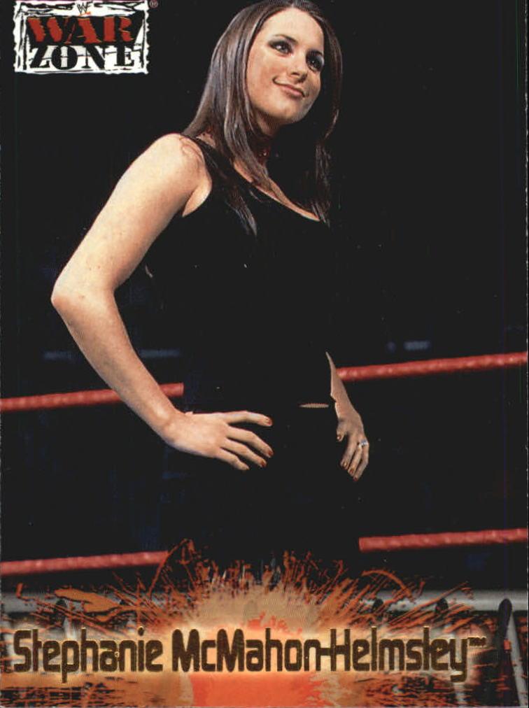 2001 Fleer WWF Raw Is War #68 S.McMahon-Helmsley
