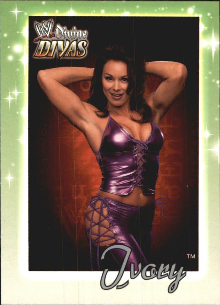2003 Fleer WWE Divine Divas #16 Ivory