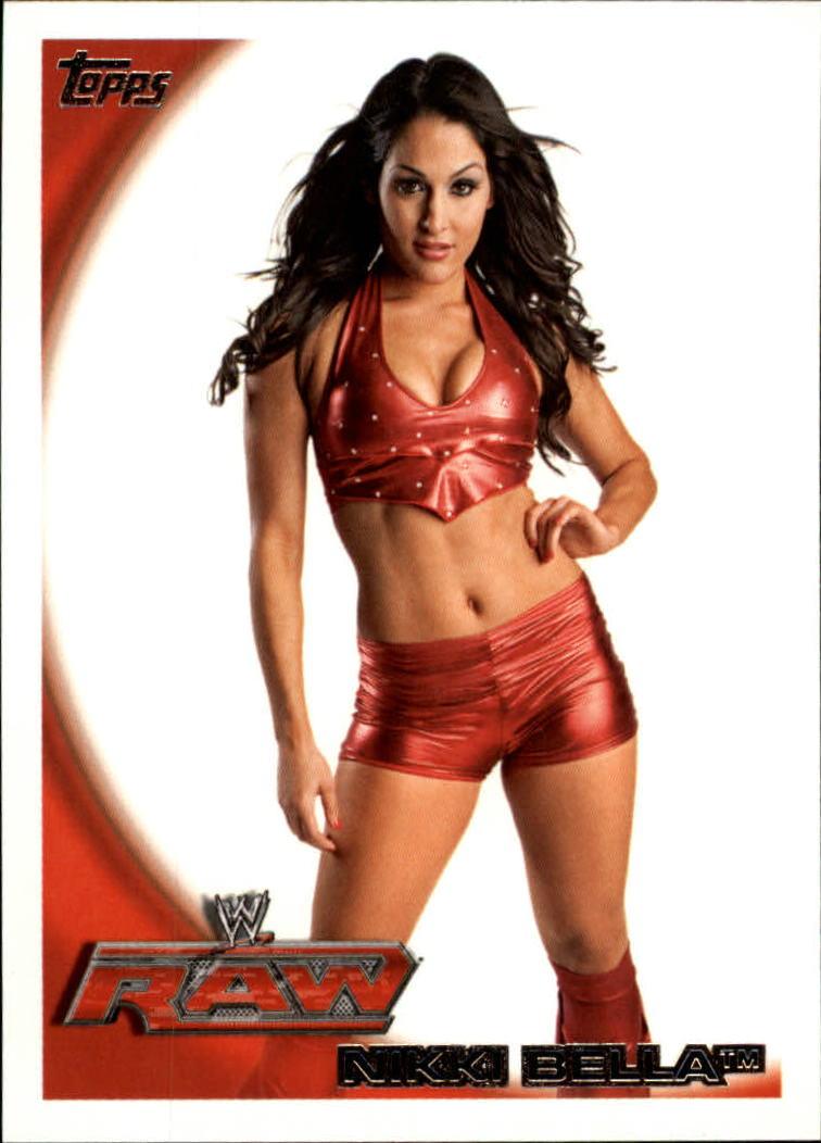 2010 Topps WWE #8 Nikki Bella