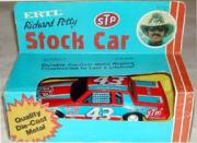 1982-84 Ertl 1:25 #43 R.Petty/STP Stock Car Package